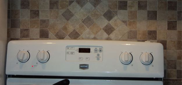 kitchen tile stove