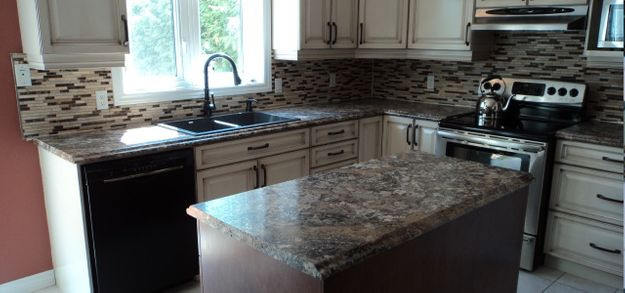kitchen tile and island countertop